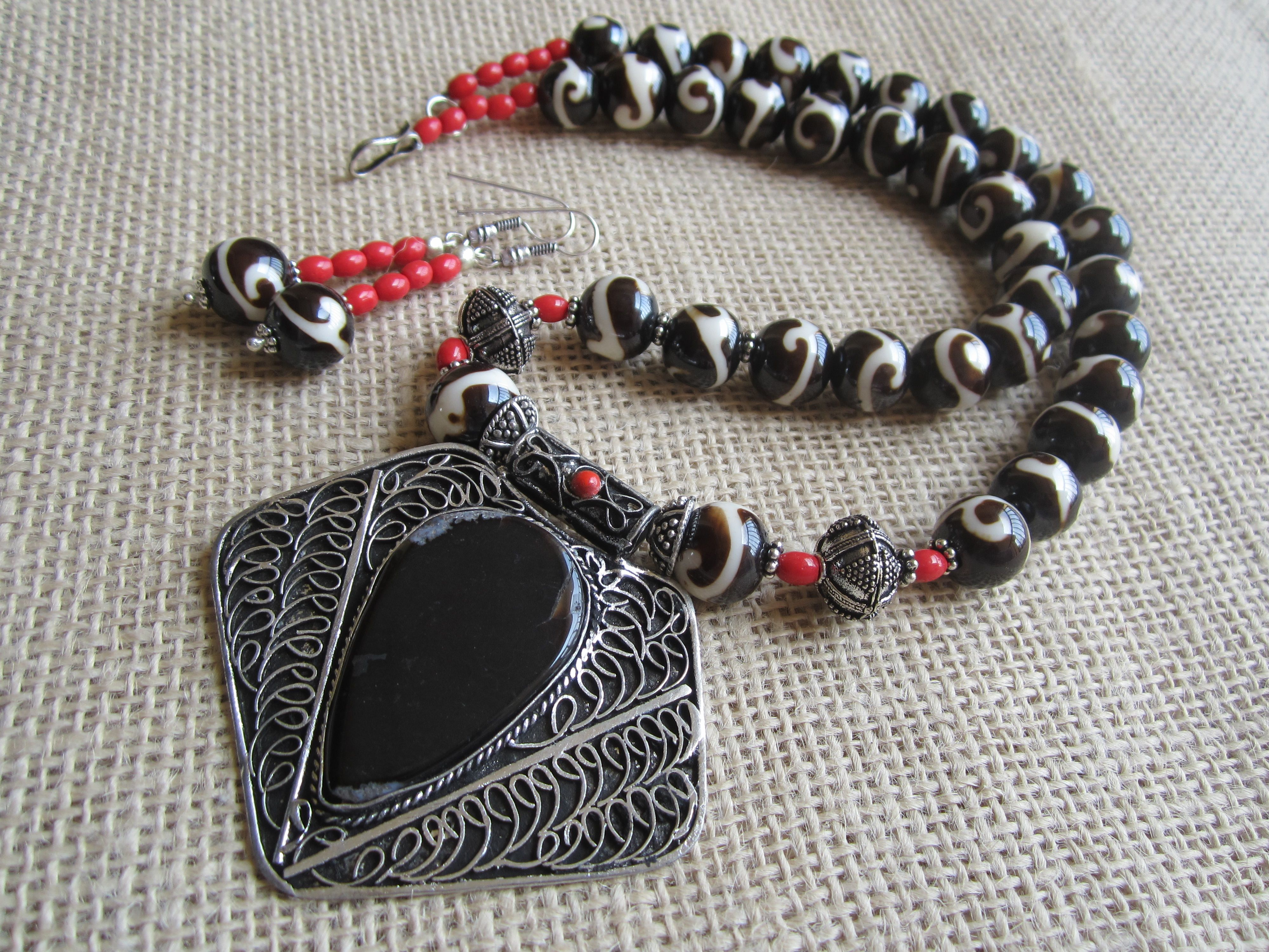 Hand Crafted Oxidized Necklace by Nnazaquat.