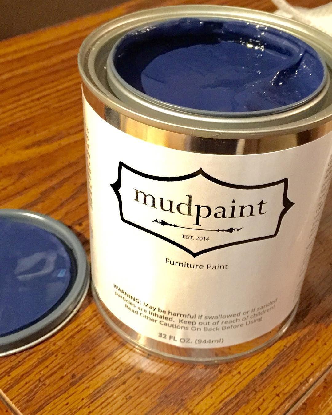 MudPaint has a new color! A beautiful blue called Catalina. Love the dark blue. You can buy it @rustandrosesabilenetx in Abilene @mwmerchant !! #mudpaintretailer #blueforyou #lovetheblues #ivegottheblues #catalina #mudpaint #mudpaintvintagefurniturepaint