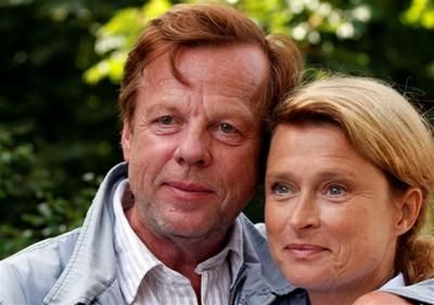 Krister Henriksson And Lena Endre Wallander Wonderful Cast Schauspieler Filmstars Henning Mankell