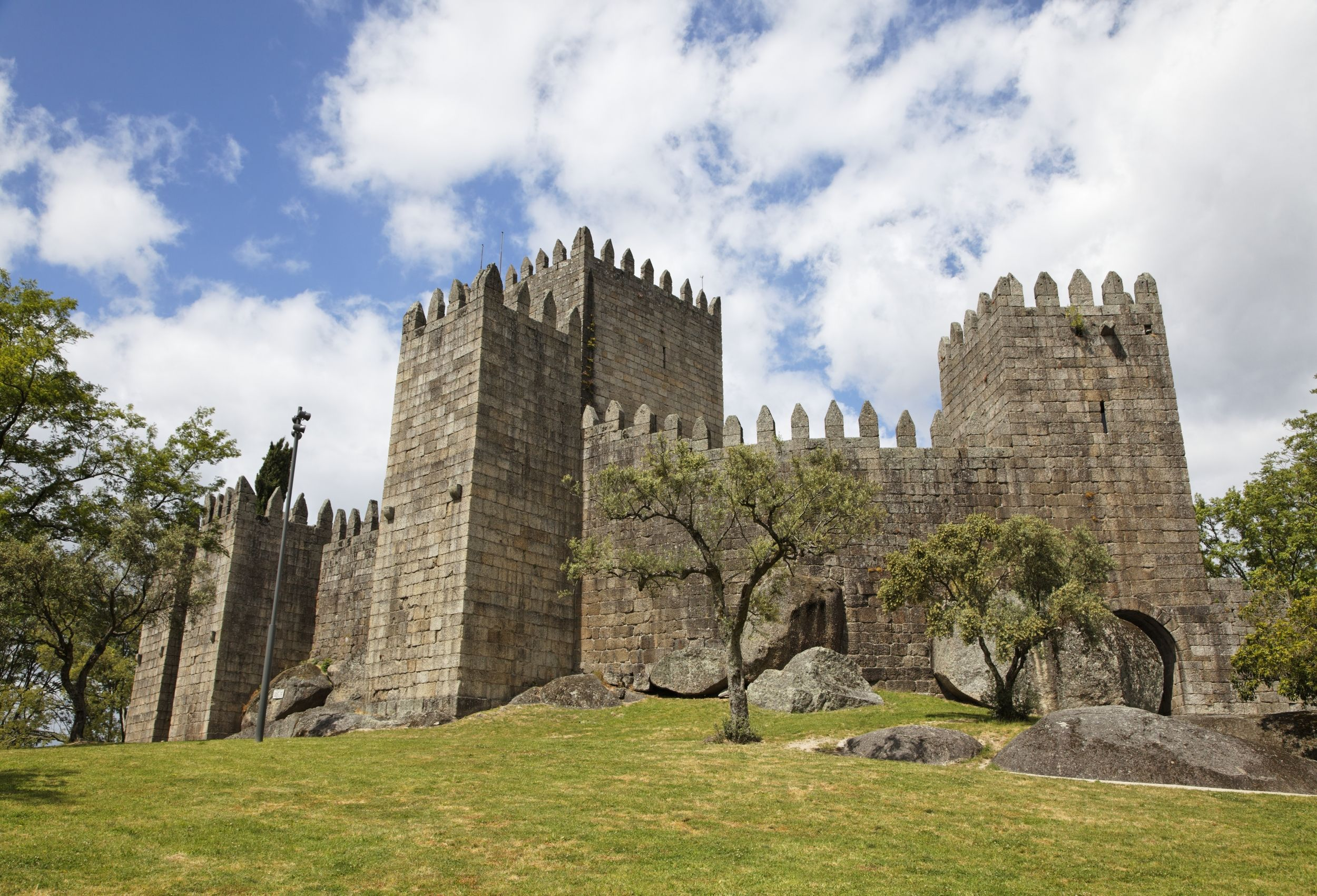 Guimaraes Castle - Portugal Photo: Getty  via @AOL_Lifestyle Read more: http://www.aol.com/article/2016/08/24/worlds-most-beautiful-castles/21458012/?a_dgi=aolshare_pinterest#fullscreen