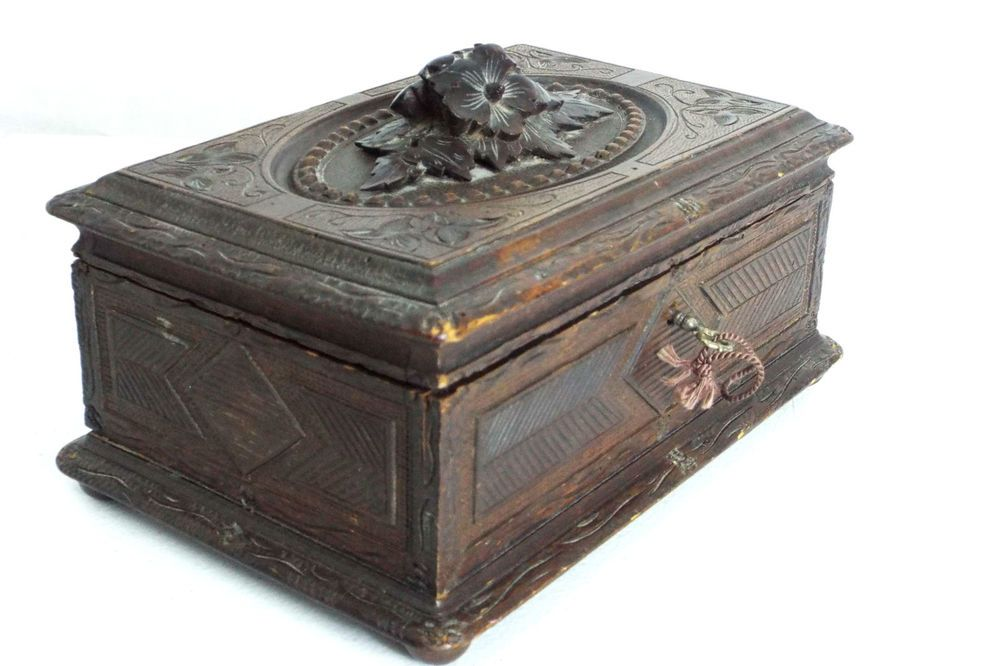 US $199.00 in Antiques, Decorative Arts, Woodenware