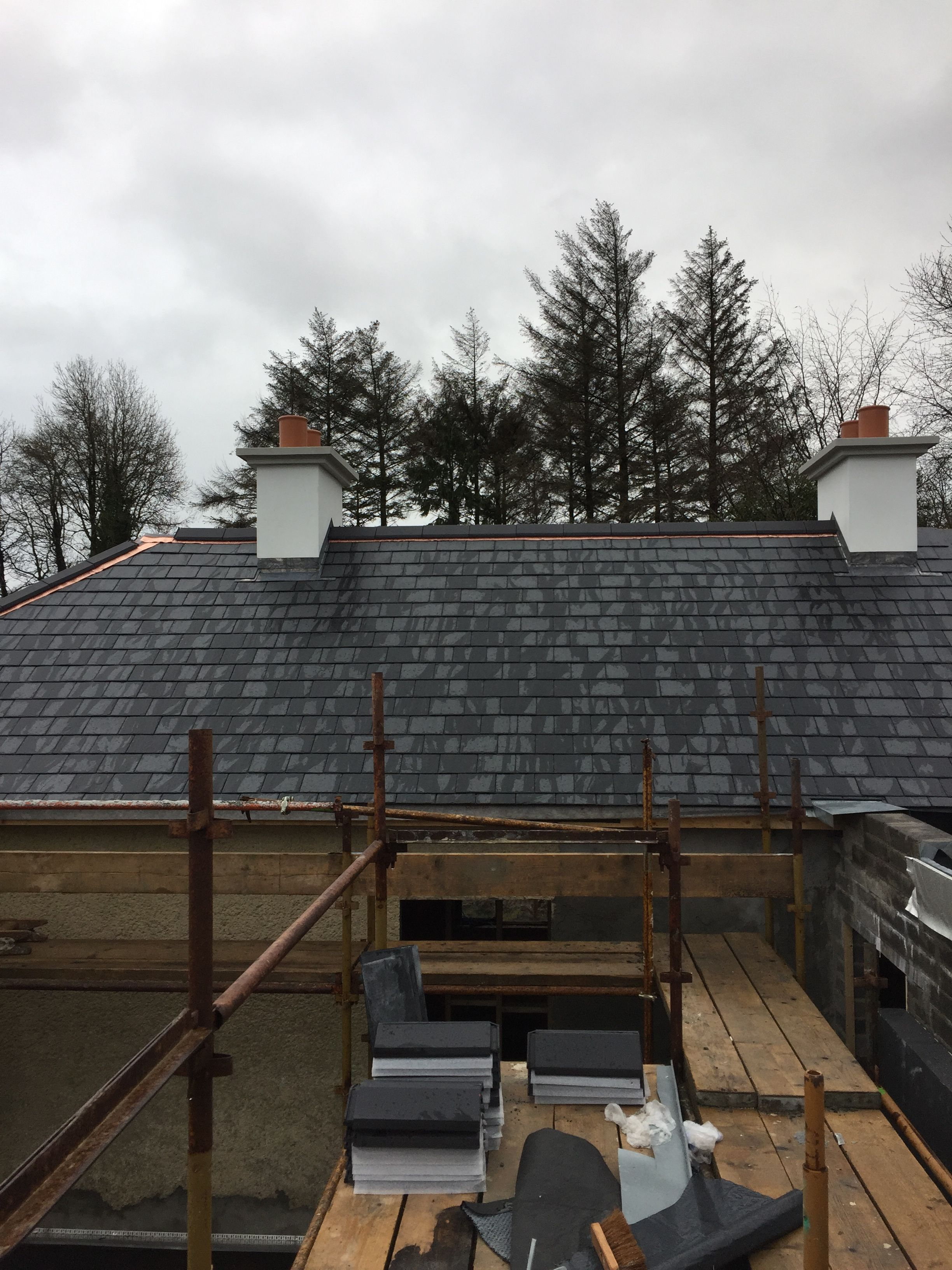 Slate Roof With Copper Ridge Roll In 2020 Cottage Extension Slate Roof Cottage
