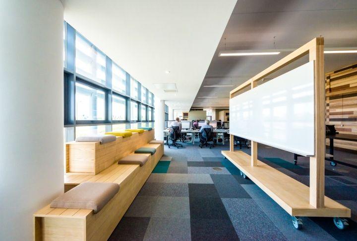 Sgs bridgehead headquarters by marks design belfast hull uk retail design blog · interior officeoffice furnitureoffice