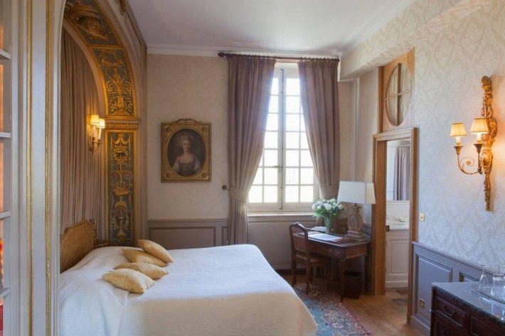 Une chambre magnifique avait été préparée pour la reine, afin qu