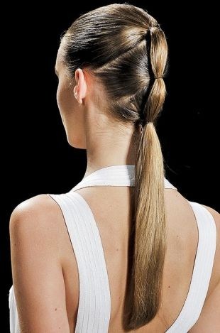 Style Minimal Classic Clean Multi Tied Pony Herve