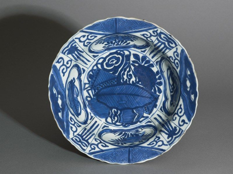 Blue And White Kraak Style Bowl With Banana Leaf And Flowers 1600 1640 Ming Dynasty Blue White Pottery Chinese Ceramics