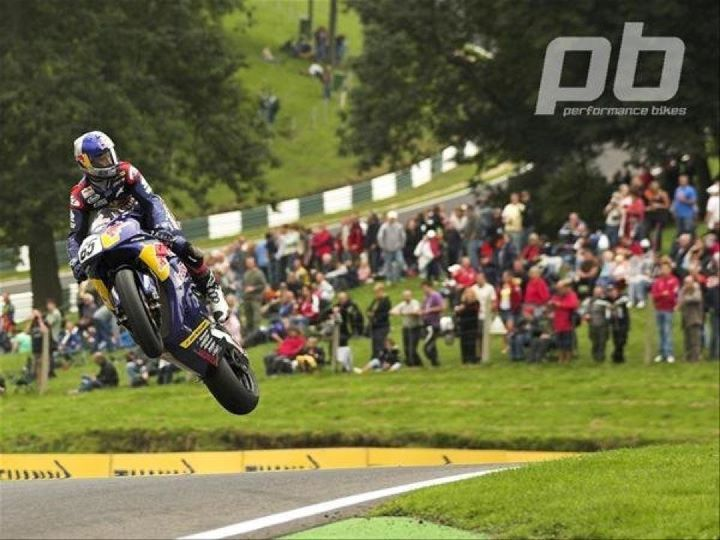 Johnny Rea scales the mountain - Cadwell Park