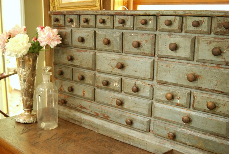 apothecary chest...love all the drawers