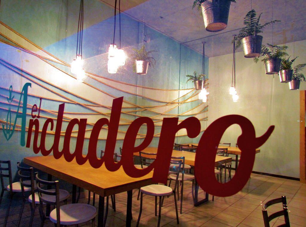 Restaurante de mariscos dise o interior mayra llamas el ancladero restaurante de mariscos - Restaurantes de diseno ...