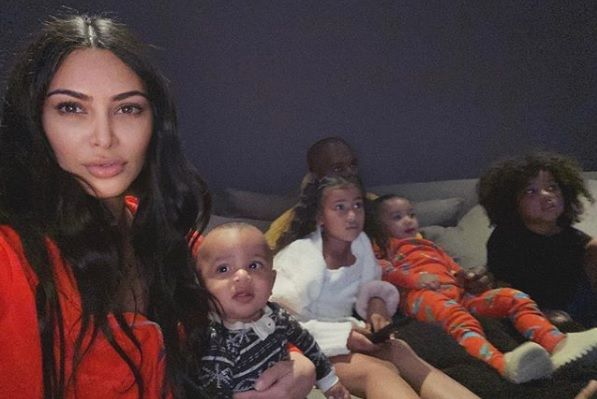 Kim Kardashian Reveals Her Kids Won T Resist Candy Challenge Like Kylie Jenner S Daughter Stormi Did In 2020 Kids Entertainment Kim Kardashian Kardashian Jenner