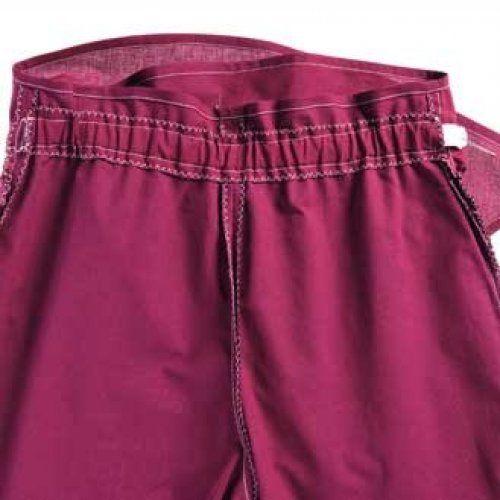 Cet ensemble évolutif se compose d un tee-shirt drapé et d un pantalon  portefeuille. Pour se sentir belle et bien pendant 9 mois. bb3c6eb8838