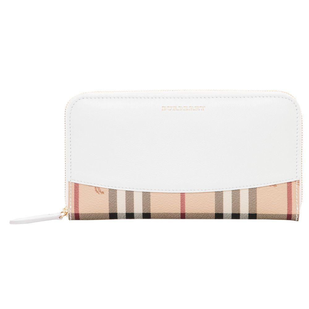 Perfect For Spring This Burberry Wallet Makes For A Fabulous Go To