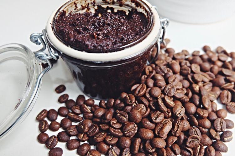 Mon exfoliant au café et noix de coco râpée fait maison | Fait maison, Alimentation, Nourriture ...