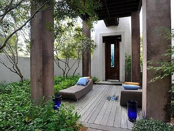 Relaxing Zen like entrance to the home with beautiful landscaping - Florida vacation rental