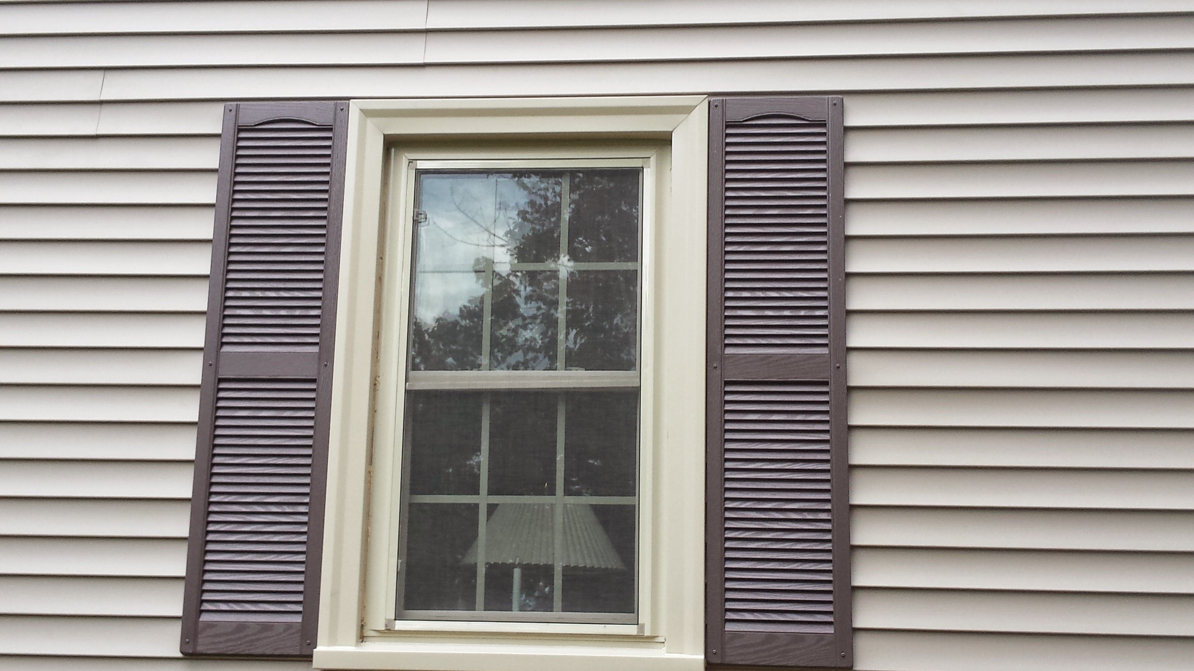Certainteed cedar impressions vinyl siding in natural clay for Siding and trim colors