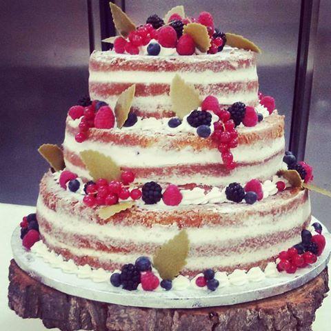 L'autunno si festeggia con questa meravigliosa weddingcake ideata da simocakedesigner.it