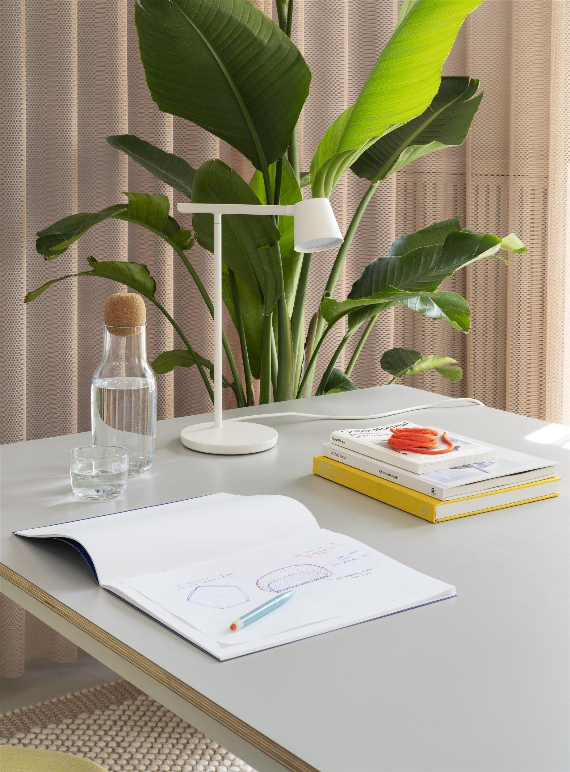 Tip Table Lamp In 2020 Table Lamp Muuto Lamp