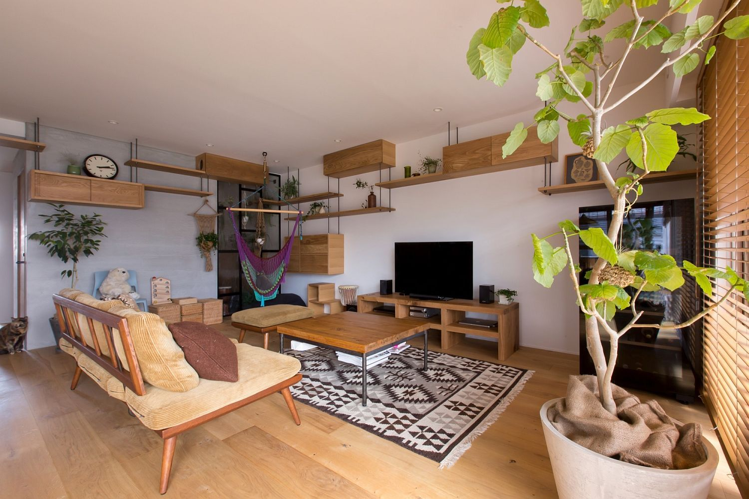 Uncategorized Cat Walkway In House making most of vertical space using wall mounted shelves and this cat friendly saving japanese home will make any feline friend purr