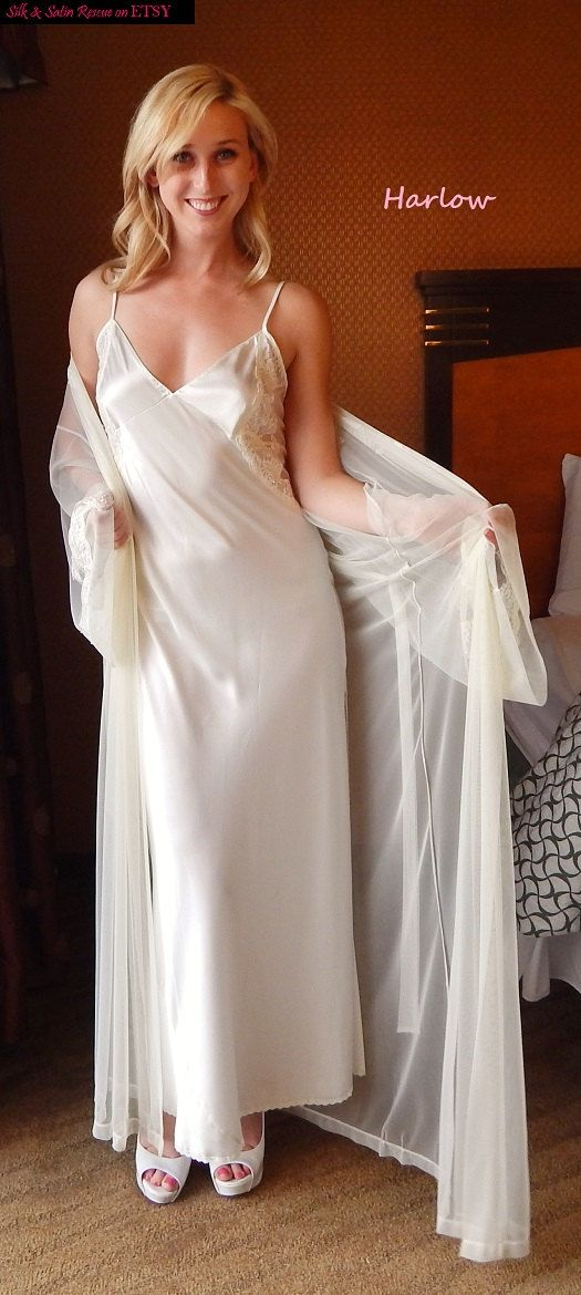 NWT Beautiful BRIDAL PEIGNOIR - Satin Gown and Sheer Robe by ...