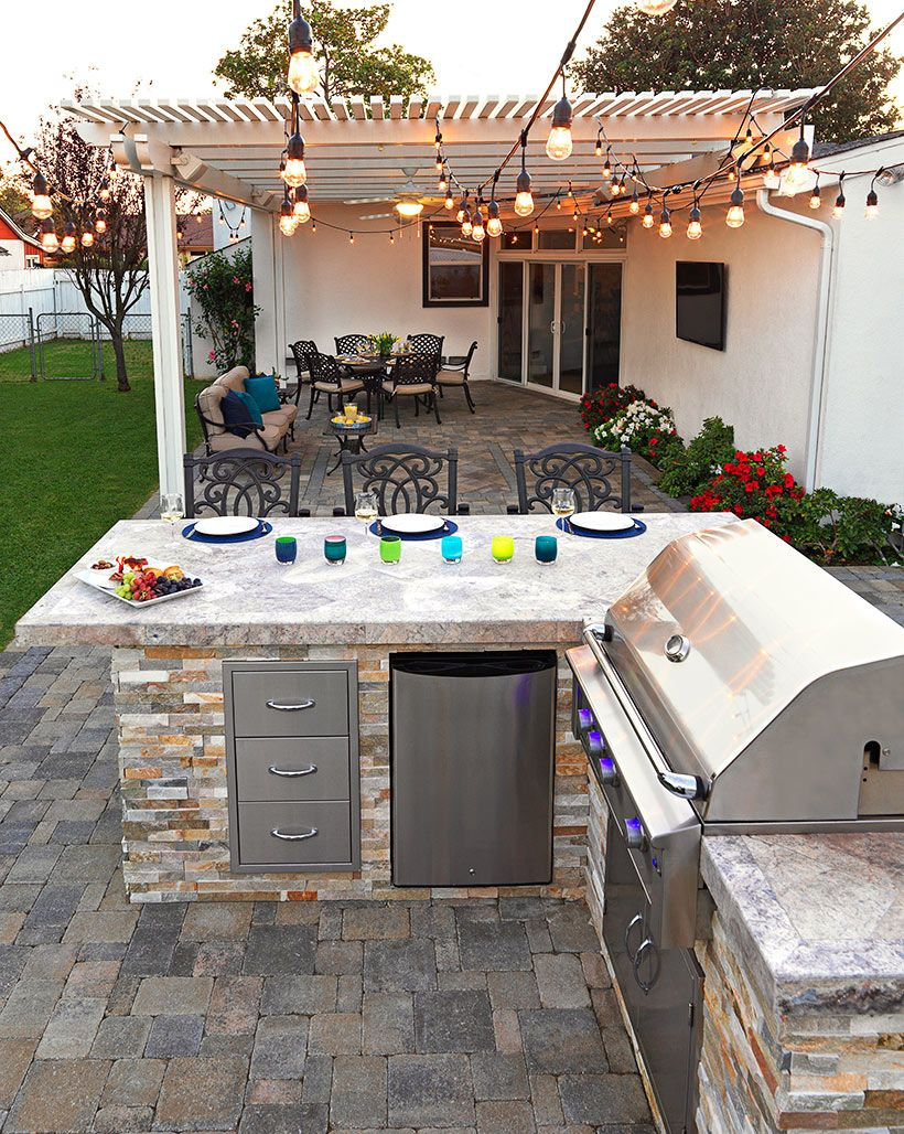 Custom system pavers built in barbecue bbq grill for Backyard built in bbq ideas