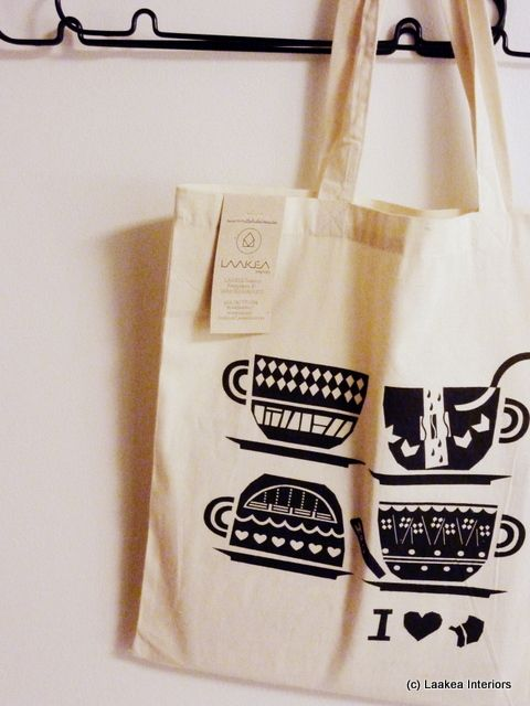 Kotiseutu kultaisin -kangaskassi / Haapajärvi-aiheista grafiikkaa // Tote Bag / Graphics inspired by home town Haapajärvi, Design Miia Jämsä, Laakea