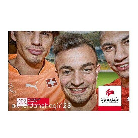 Xherdan Shaqiri With Yann Sommer And Gokhan Inler Switzerland Swisa Football Team Yann Sommer Shaqiri Sommer
