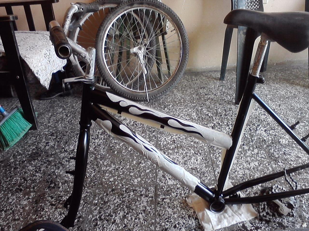 Tutorial De Como Pintar una Bicicleta con Vinilos | Vinilos, Como ...