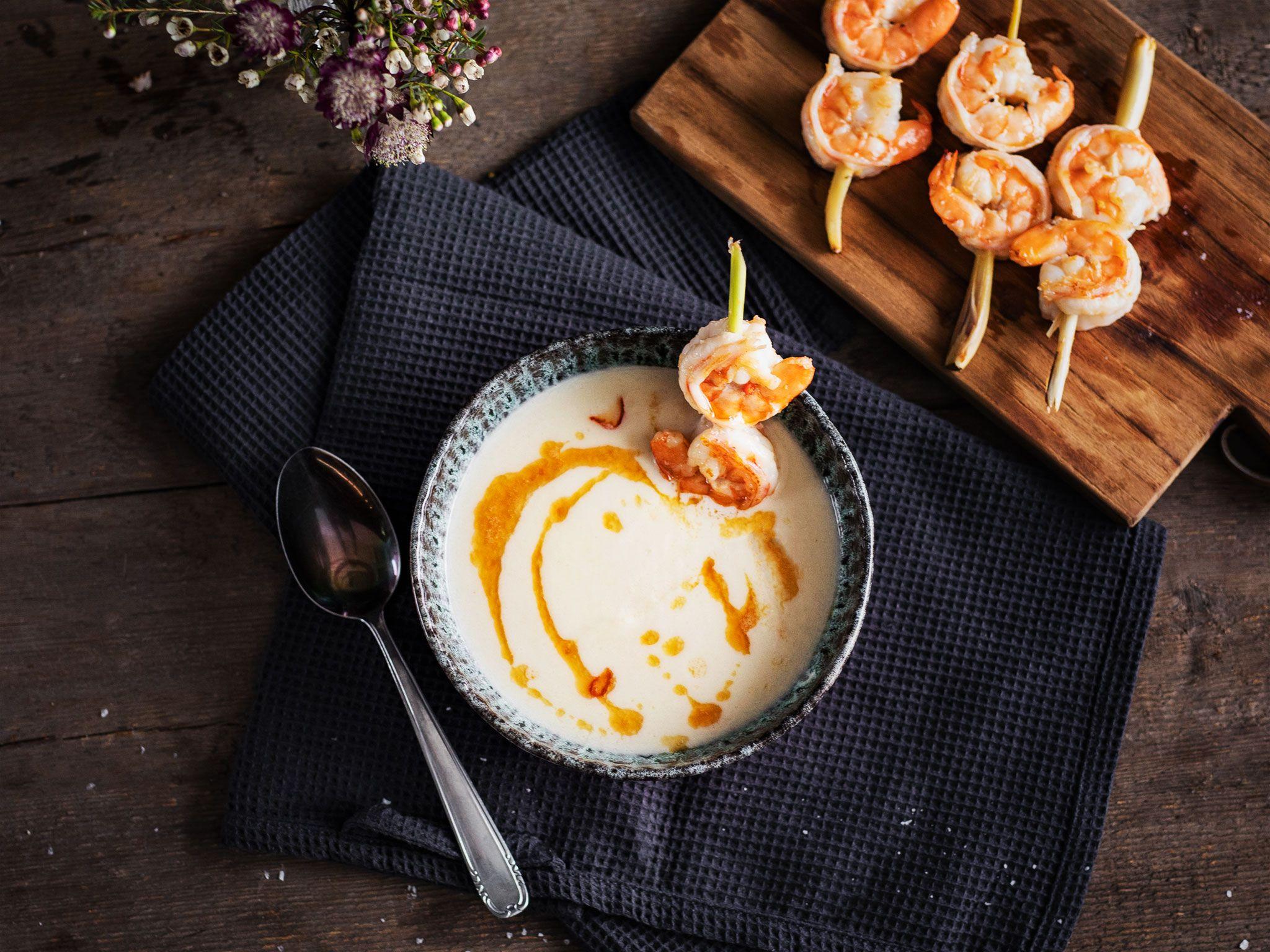 Photo of Blumenkohl-Kokos-Suppe mit Garnelen   Rezept   Kitchen Stories