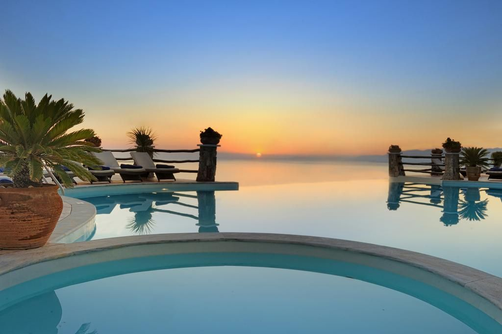 Creta Blue Boutique Hotel Situated In The Picturesque Koutouloufari This Small