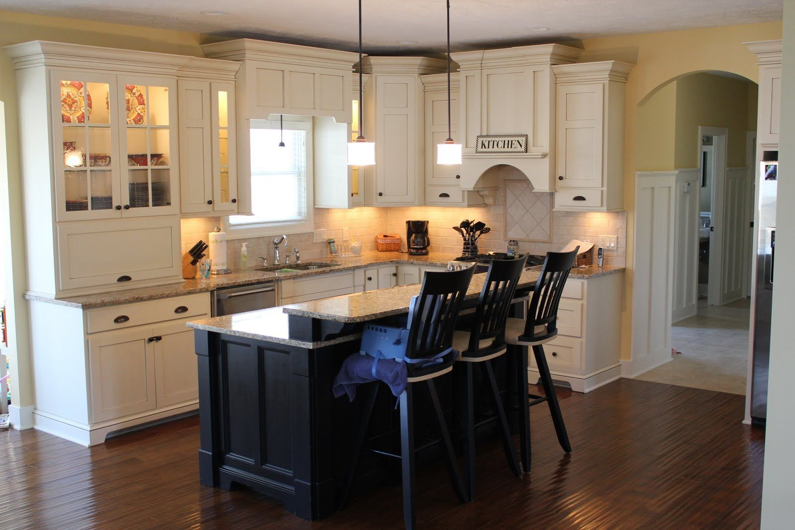 of white cabinets and benjamin moore hawthorne yellow walls kitchen colors kitchen design on kitchen interior yellow and white id=37264