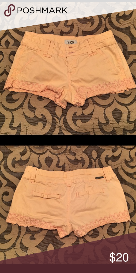 BKE | scalloped shorts • size 24 • worn a few times, great condition • light sherbet orange color • looks great on tan skin!!! BKE Shorts