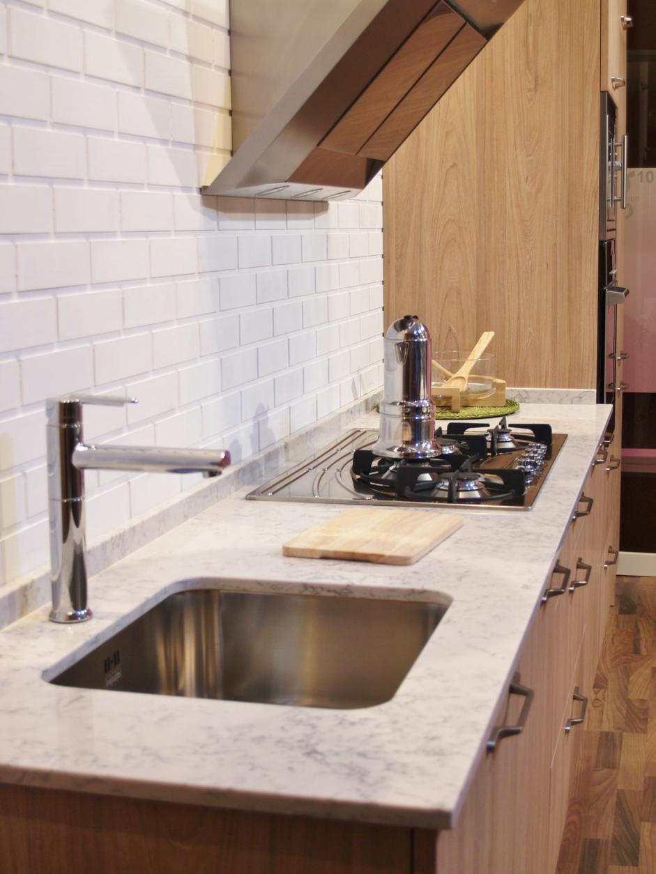 Cocina de exposicin detalle pared imitacin ladrillo cocinas