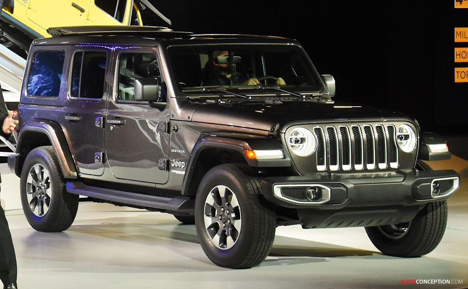 All New 2018 Jeep Wrangler Revealed At La Auto Show Jeep Suv New Jeep Wrangler Jeep Wrangler
