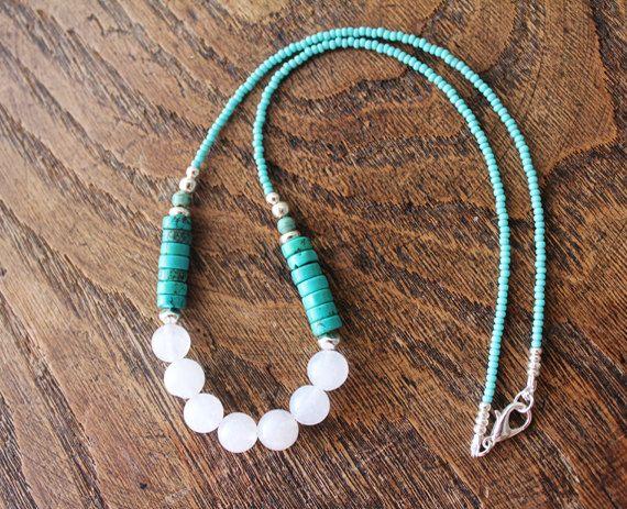95c4c4c7dd2d Africano collar turquesa y blanco. Collar de jade y turquesas africanas.