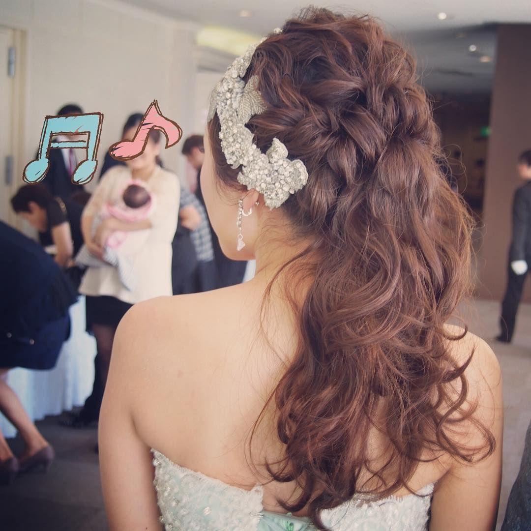 可愛くてお洒落な ポニーテール の花嫁ヘア 髪型まとめ Marry