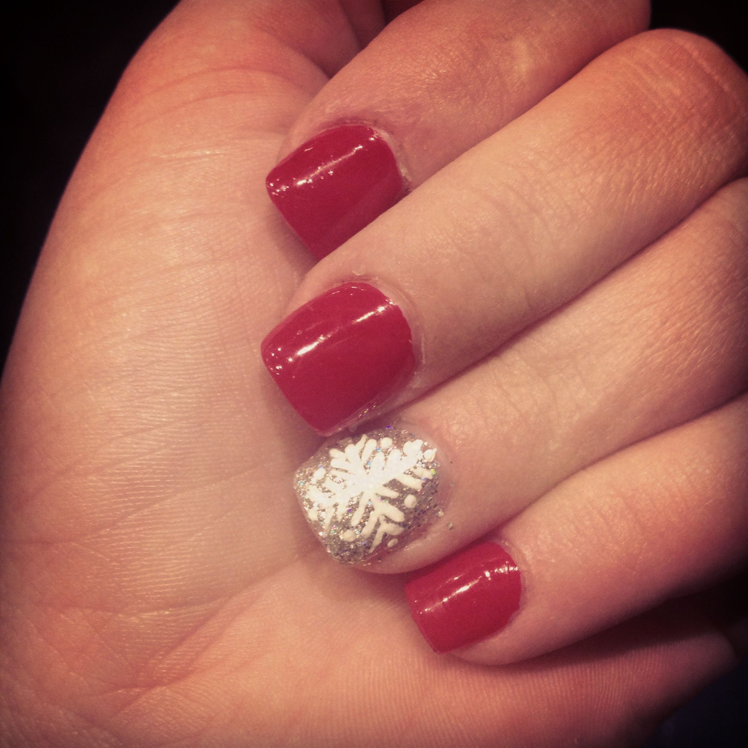 12 Holiday Manicures We're Dying toTry