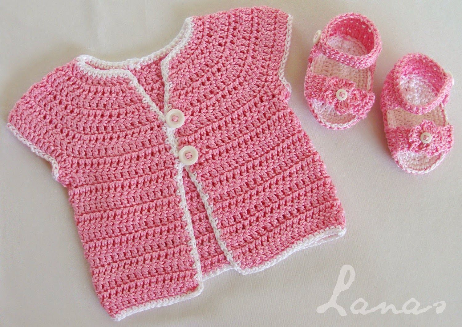 a sleeve-less cardigan and sandals by Lanas de Ana - #crochet