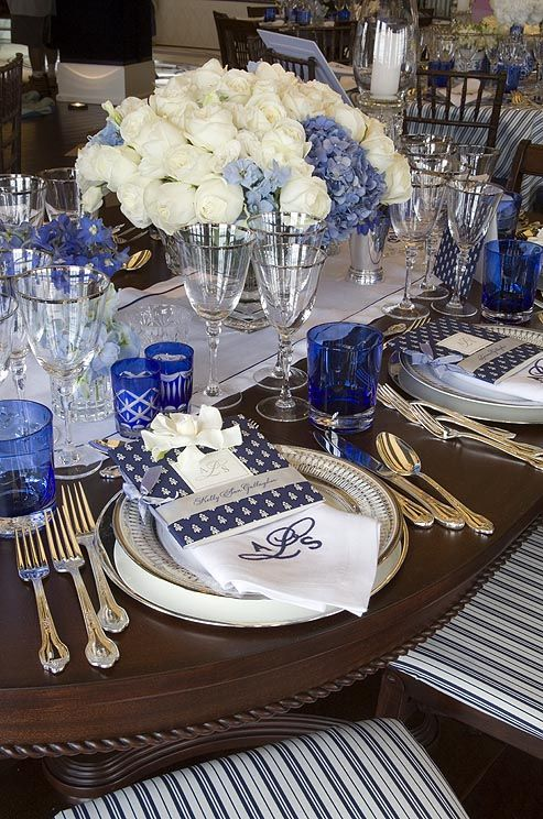 Monogrammed Napkins And Menus Add The Final Touch To