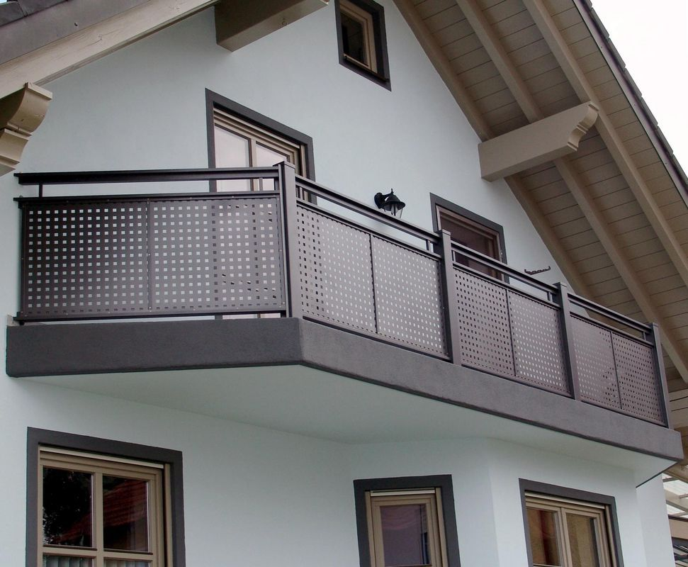 flat design garde corps balcons en alu balcony gel nder balkon balkon lochblech