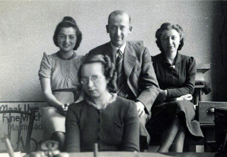 Citaten Van Anne Frank : Personeel van opekta het bedrijf de vader anne