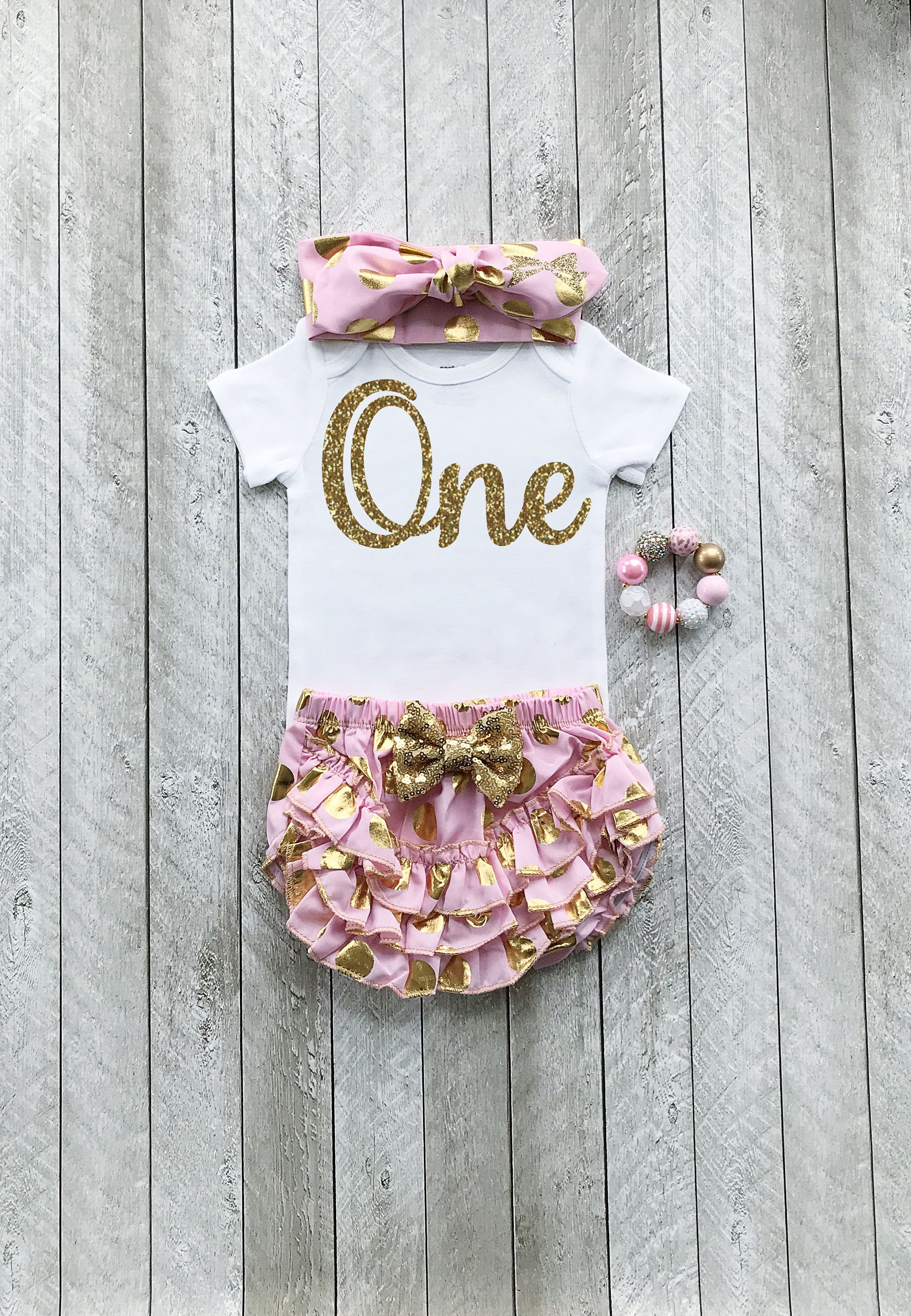 dcaf150260754 One year old outfit girl by SweetPeaCharlies on Etsy. One year old outfit  girl by SweetPeaCharlies on Etsy Gold First Birthday Outfit, Baby Girl