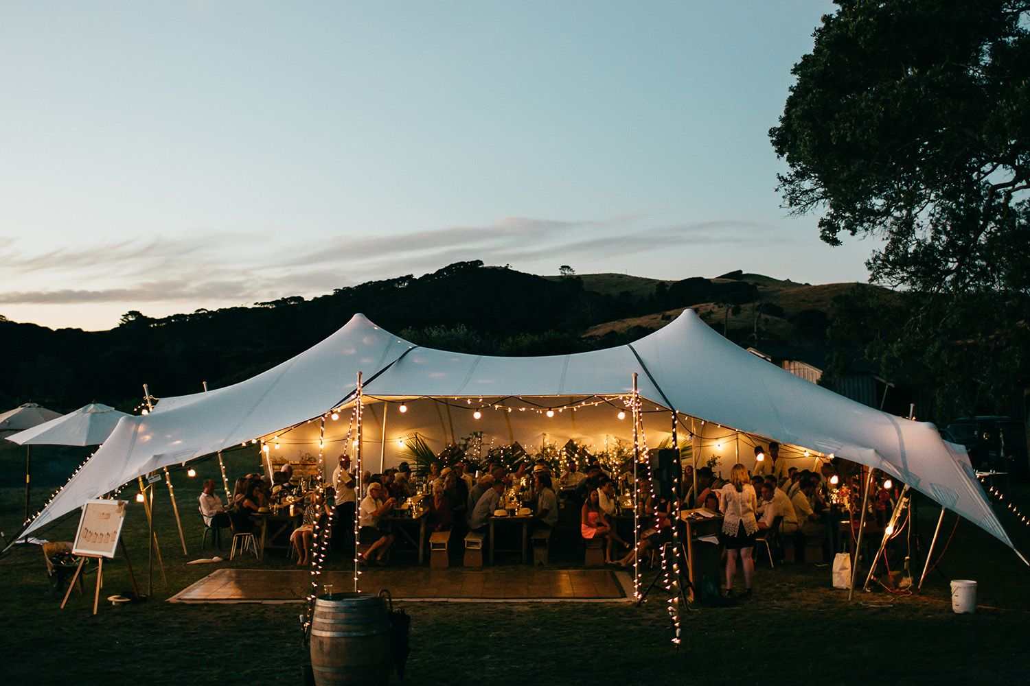 Waiheke Event Hire - marquee's, furniture, lighting, decor and ...