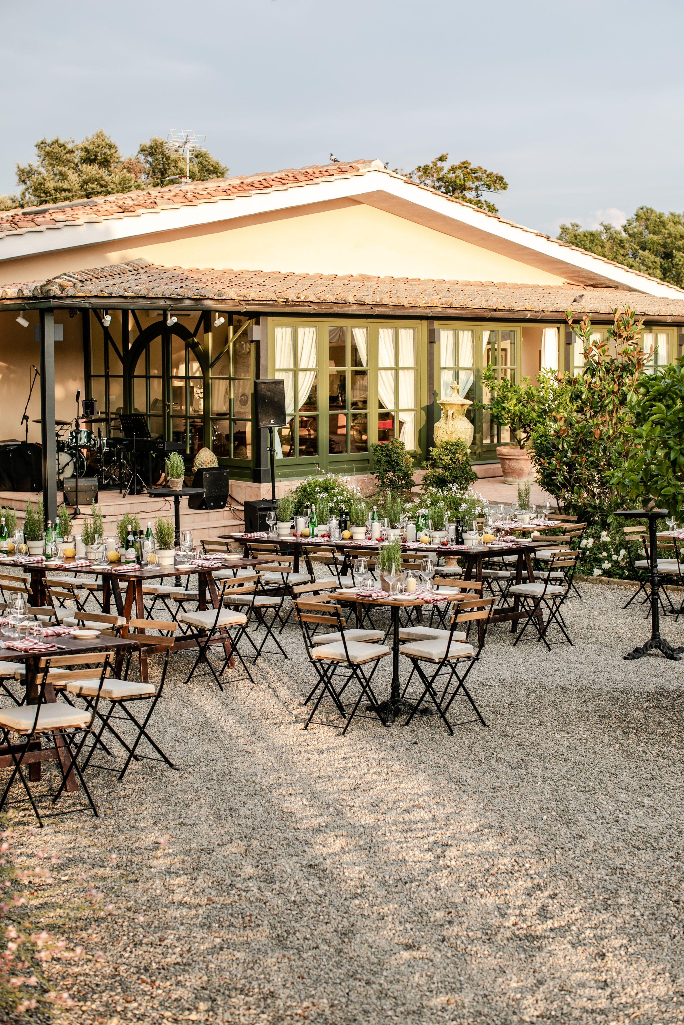 Wedding Farmhouse in Siena in 2020 Outdoor dinner