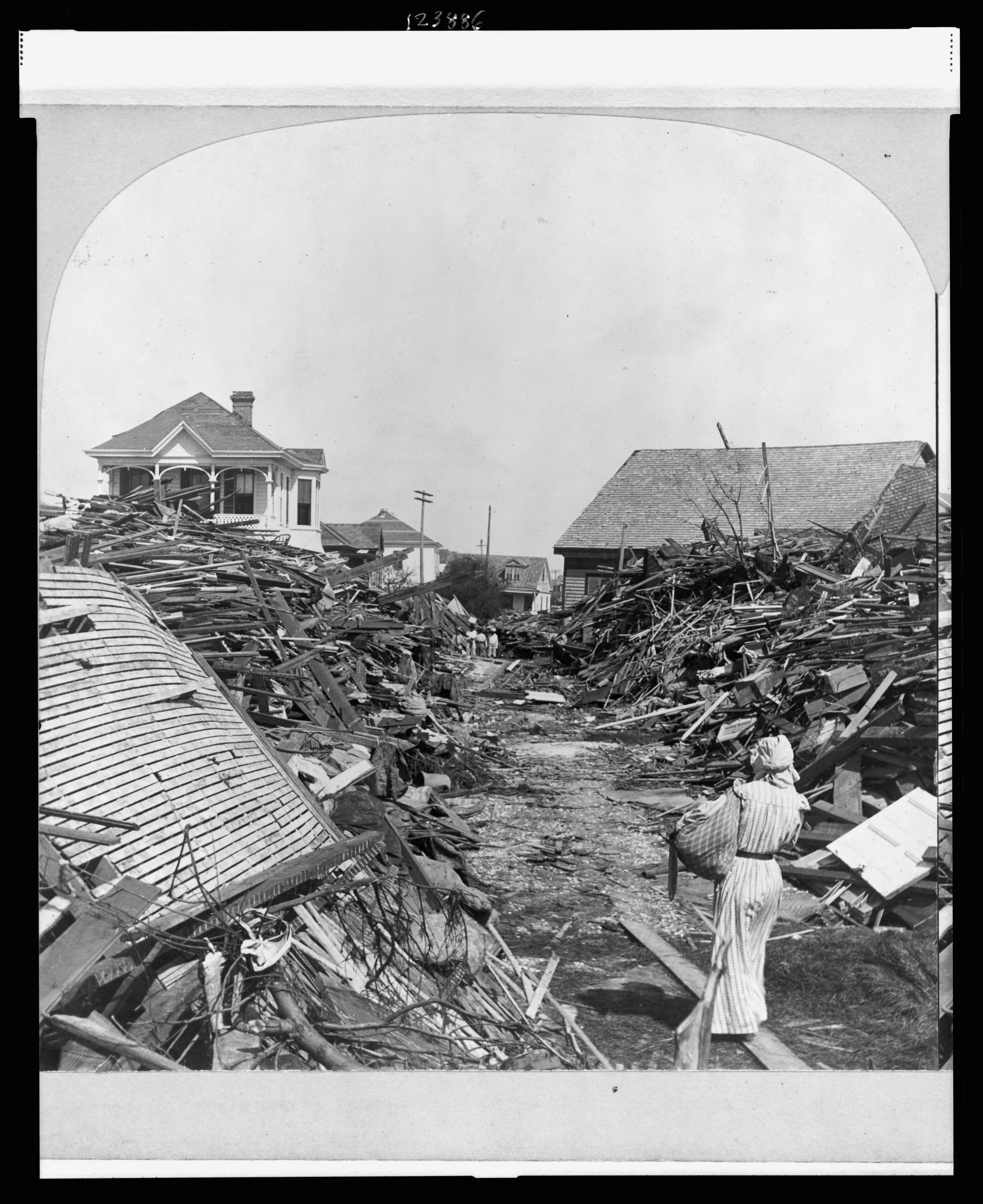 19th Street In Galveston Texas Following The 1900 Hurricane C 1900 4129x5058 Galveston Galveston Hurricane Galveston Texas
