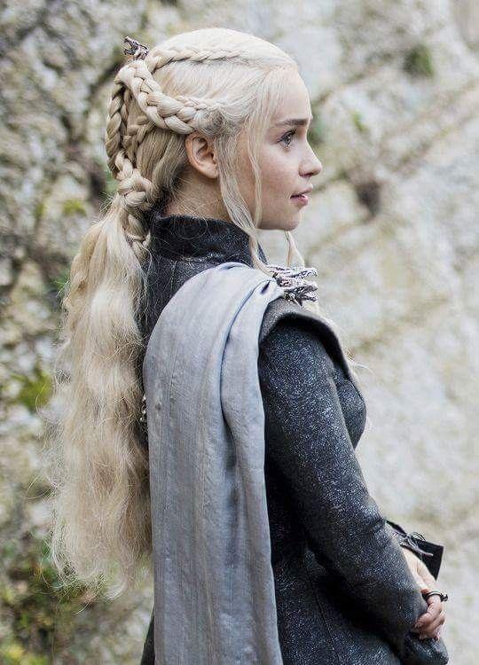 daenerys game of thrones pinterest tv serien frisur und pferde. Black Bedroom Furniture Sets. Home Design Ideas