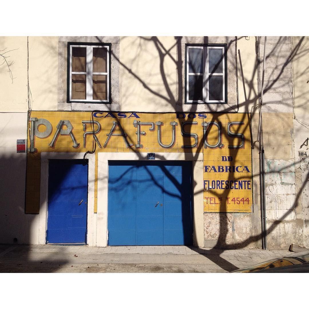 184 Parafusos #AzuldeParede  #PintadosdeLuz by filipateles