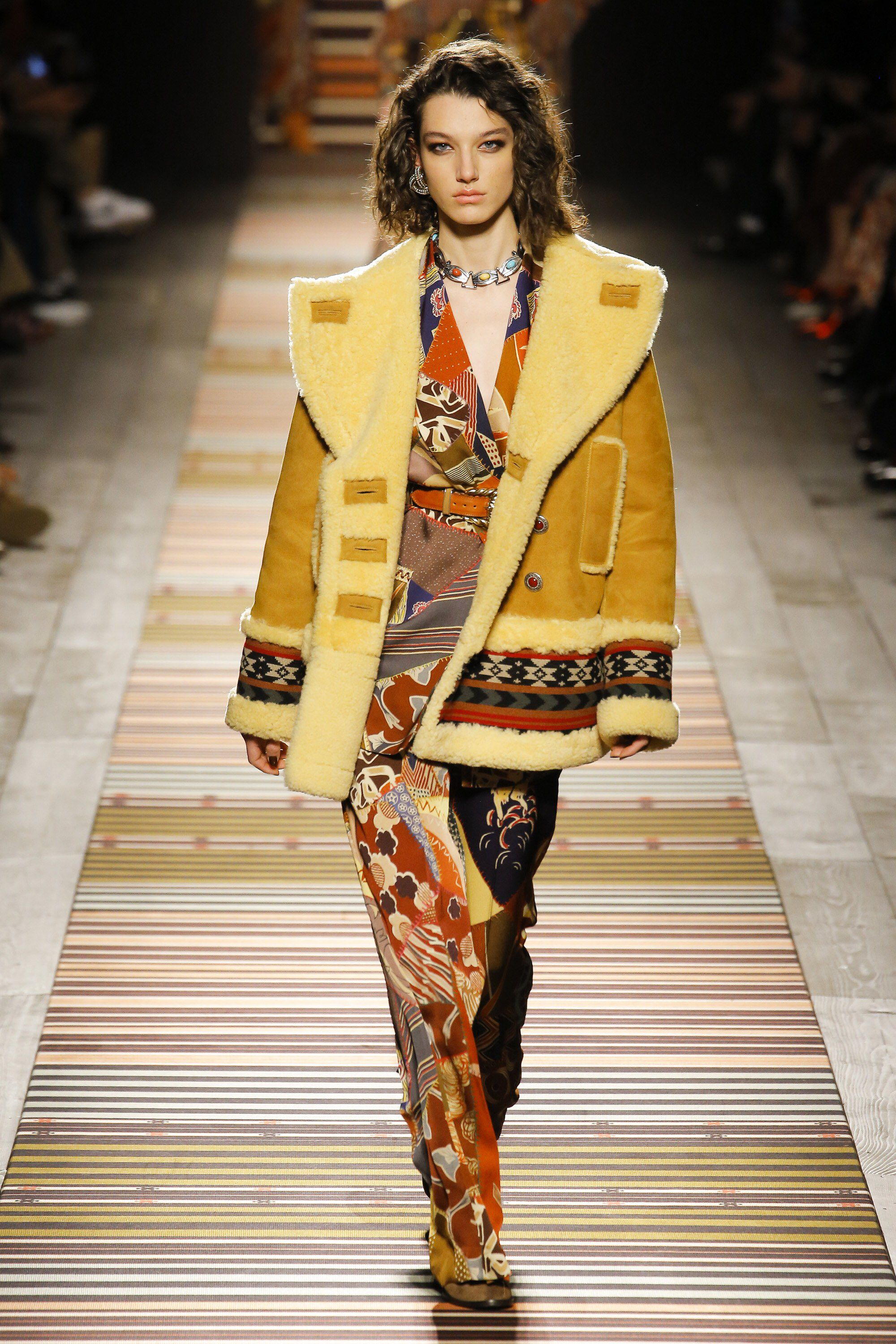 7f672a3e470f Etro Fall 2018 Ready-to-Wear Fashion Show Collection  See the complete Etro Fall  2018 Ready-to-Wear collection. Look 14