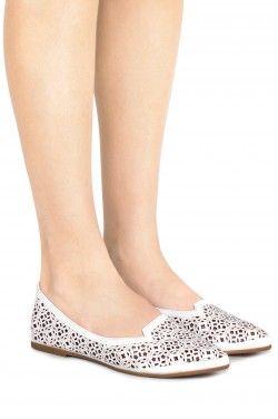 Flats & Sneakers