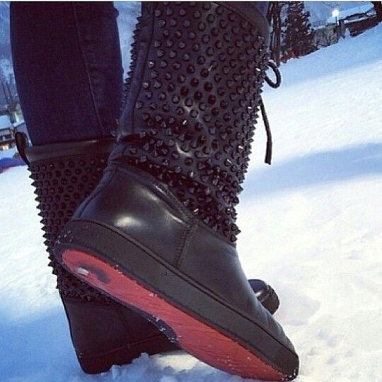 official photos f9d57 6bea8 Louboutin snow boots | #ShoeAddict | Boots, Shoes, Fashion