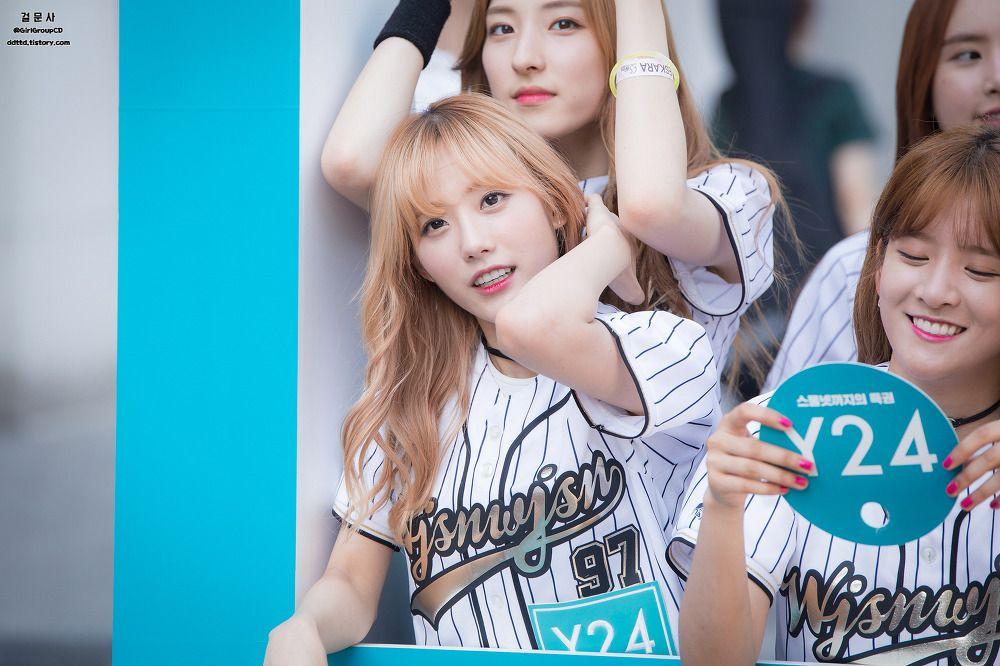 WJSN - Lee Luda #이루다 #루다 & Eunseo #은서 (Son Juyeon #손주연) at 2016 Y24 'Campus Attack' 160521 캠퍼스어택 성균관대 #우주소녀